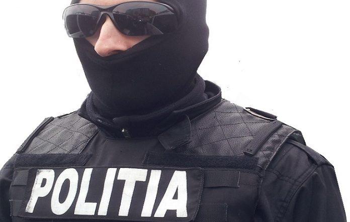 Percheziții în Cluj, Arad, Satu Mare și Baia Mare, într-un dosar de trafic de persoane, proxenetism și trafic de droguri