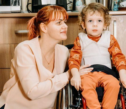 Ștefan Suciu are 3 ani și are nevoie de 2,1 milioane dolari pentru a învinge boala SMA1 care îi atrofiază mușchii